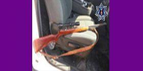 Consigna Policía Estatal a detenido con un rifle calibre 22