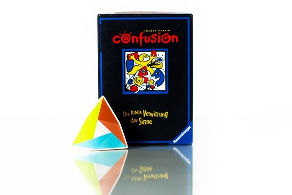 30,000 IDR/2 days Coba game yang berjudul Confusion, sebuah filler game yang bisa menghadirkan kebingungan yang penuh gembira.