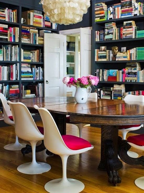 Trend Spotting: Tulip chairs in home decor, interior design, art, accessories, and decoration. How to mix and style tulip chairs in your own home.
