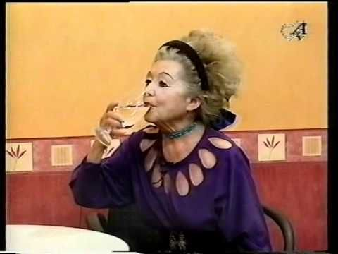 ▶ Etka Anyó az ATV-ban! - YouTube