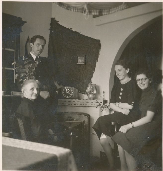 Fam. Antje Verdijsseldonck, Dijkstraat, Asten, plm 1940