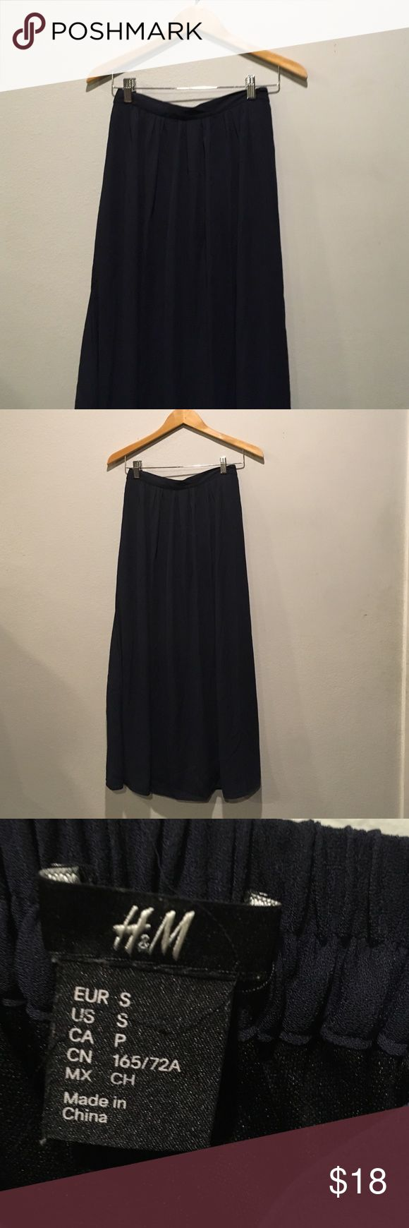 H&M fully lined maxi skirt Flowy navy blue maxi skirt from H&M. Fully lined. Stretchy elastic behind. H&M Skirts Maxi