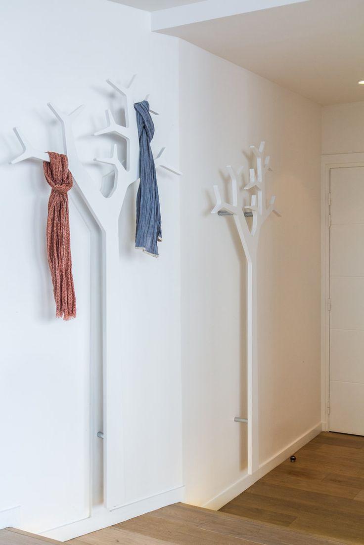 A travers ces ambiances déco, faites le plein d'astuces et découvrez comment aménager et décorer un couloir. Et rendre cet espace de passage aussi pratique qu'esthétique.