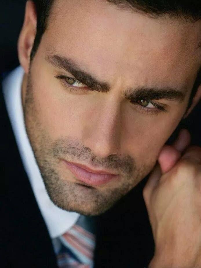 Rostro | Attraktive männer, Hübsche männer, Dunkelhaarige