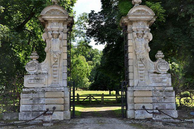 Heilles - Le portail du parc du château ducal de Mouchy-le-Châtel | Flickr - Photo Sharing!