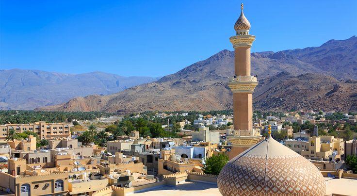 Harvemmin vierailtu Oman yllättää matkailijat valloittavilla nähtävyyksillään. Kiertomatka tarjoaa erinomaisen tavan perehtyä Omanin sulttaanikunnan aarteisiin, kuten Wahiban pitkälle horisonttiin jatkuviin, jopa 100 metrin korkeuteen kohoaviin hiekkadyyneihin ja pääkaupunki Muscatin linnoituksiin ja moskeijoihin.Kiertomatkan ohjelma: 1 yö Dubai – 2 yötä Nizwa – 1 yö Wahiba – 1 yö Muscat – 2 yötä Mussanah.  #Oman #Muscat #Kiertomatkat #Aurinkomatkat #matkailu