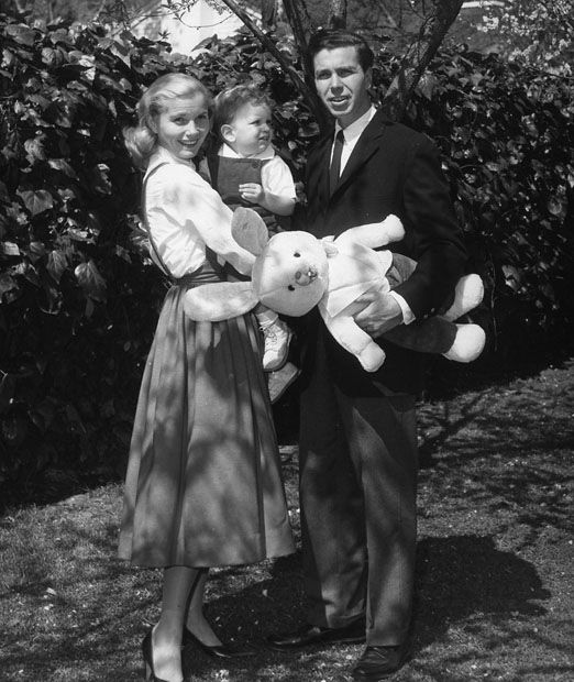 Eva Marie Saint & husband Jeffrey Hayden with two-year-old Darrell in 1957......Uploaded By www.1stand2ndtimearound.etsy.com