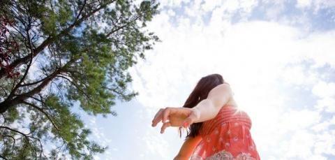 Emlékeink törlése Ho'oponoponoval  Az elengedés olyasvalami, amire szükségünk van a spirituális fejlődéshez, ugyanakkor félelmetes is lehet ez a folyamat. Sokan félnek az elengedéstől. Teljes cikk itt http://hooponoponoway.hu/blog_emlekminden