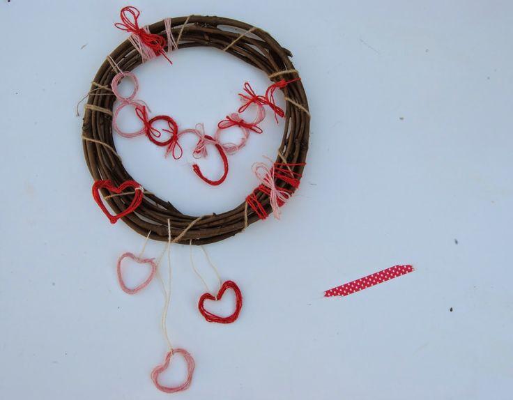 Valentine's Day wreath // thehungarican.blogspot.com //