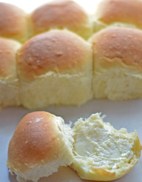 Thanksgiving will be here soon! This homemade yeast roll recipe is SO delicious you'll be making it year round! I've never had it fail.