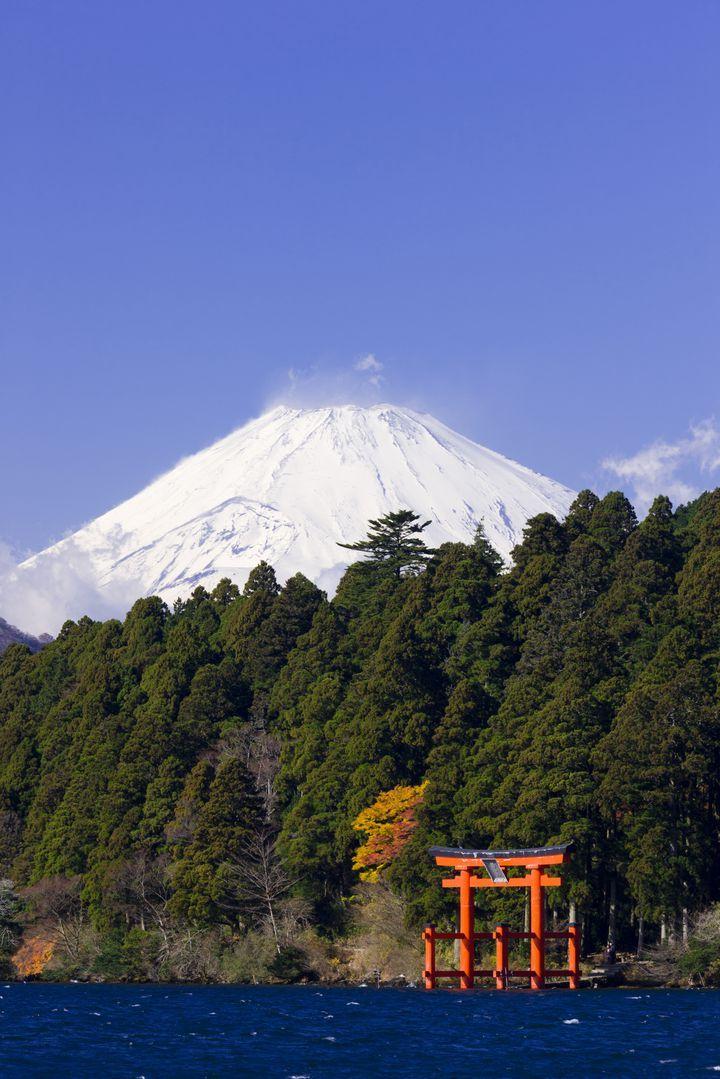 関東おすすめパワースポットその6は、神奈川県にある箱根神社です。「箱根を背にするものは天下を制す」と言われる関東屈指のパワースポットである箱根神社は、出世運・金運・願望実現・縁結び・恋愛運・健康運など、バランスよく全体の運勢をアップ出来ます。