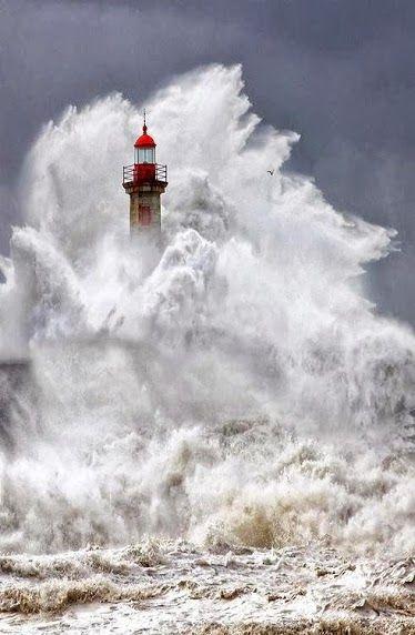 June 19, 2013 @michaelsusanno @emmammerrick @emmasusanno #Lighthouse #Waves