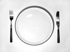 Głodówka jako detoks? Poznaj skutki praktykowania głodówek.