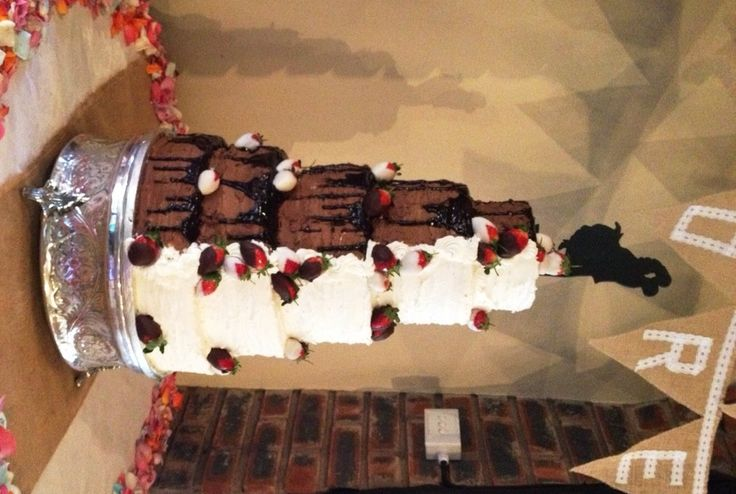 Two Tone Buttercream Wedding Cake with Chocolate dipped Strawberries