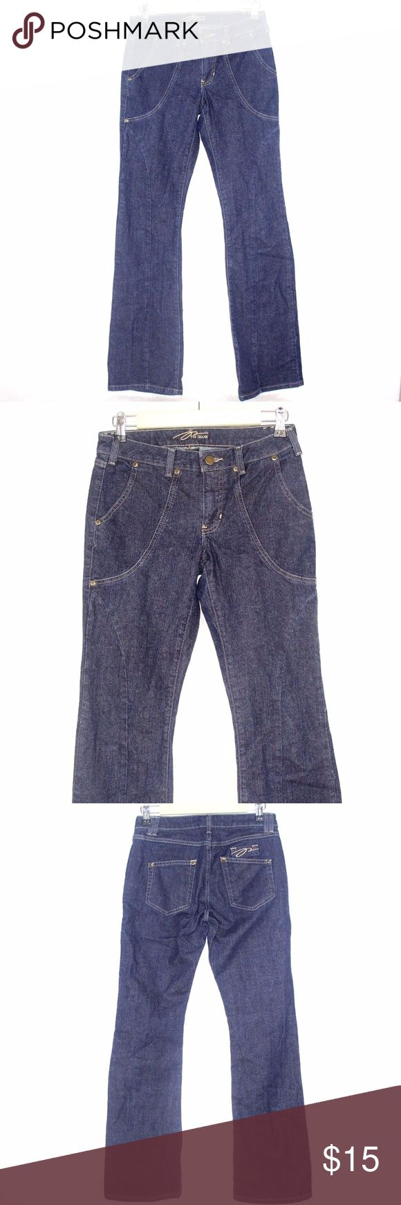 PZI JEANS Womens Axle Blue Premium Denim Jeans Cut PZI JEANS Womens Axle Blue Premium Denim Jeans Cut Flare Fit Curves Sz 6 C1 99% Cotton 1% Spandex Axle Blue Waist 14 1/2 Inches Inseam 34 Inches PZI Jeans has made a discovery...CURVES come in all shapes and sizes! PZI Jeans Flare & Wide Leg