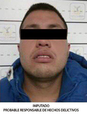 Detienen al sujeto que asaltó al comediante Adrián Uribe - http://www.notimundo.com.mx/mexico/asalto-al-comediante-adrian-uribe/