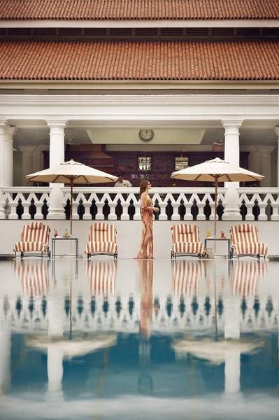Raffles Singapore   An Oasis in the Garden City for the Luxury Traveller    Poolside View www.raffles.com/singapore