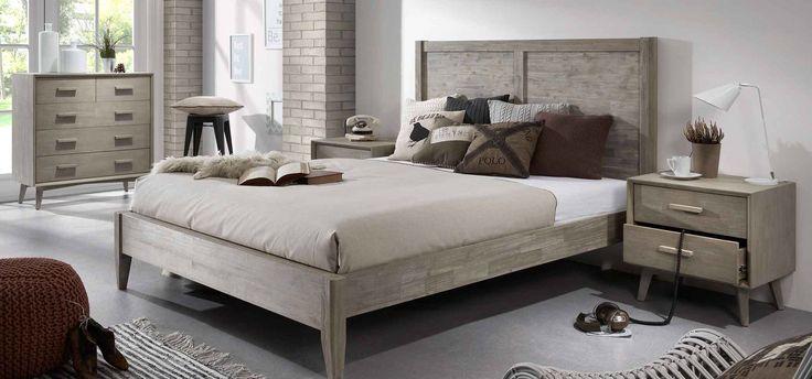 Seng og nattbord i kolleksjon WONDER.  #nattbord #sengegavl #seng #kommode #soverom #interior #interiør #interiormirame #interiørmirame #design #nettbutikk #wonder #hus #hjem #mirameinteriørogdesign