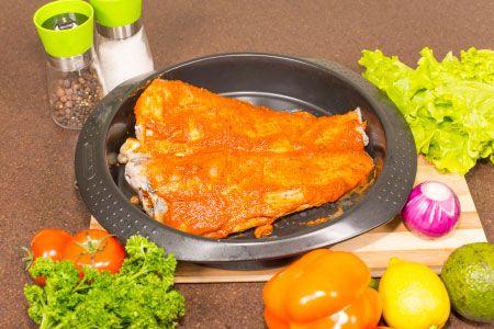 """Рецепт: Рыба запеченная по-мексикански """"Раскаленное крыло"""" - тикинчик Мастеркок"""