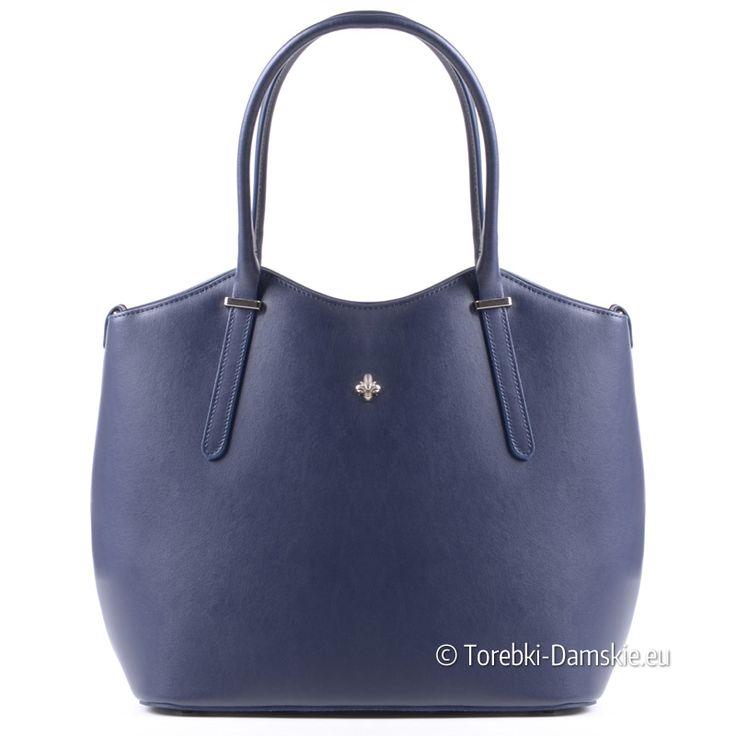 Granatowa torba ze skóry naturalnej, nowy model produkcji włoskiej, wymiary 37x26 cm. Zobacz inne zdjęcia tego modelu http://torebki-damskie.eu/skorzane/1337-ciemnoniebieska-granatowa-torba-skorzana-piekny-ksztalt.html