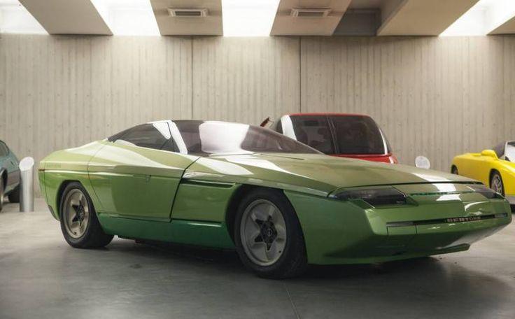 Bertone est à vendre... http://www.auto-reverse.com/vous-pouvez-desormais-acheter-bertone/ #corvette #bertone #classiccar