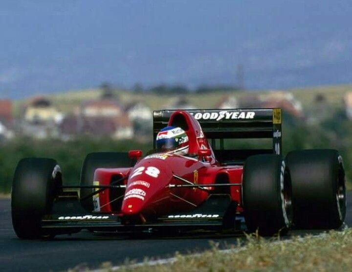 #28 Ivan Capelli...Scuderia Ferrari SpA...Ferrari F92A...Motor Ferrari 040 V12 3.5...GP Hungria 1992