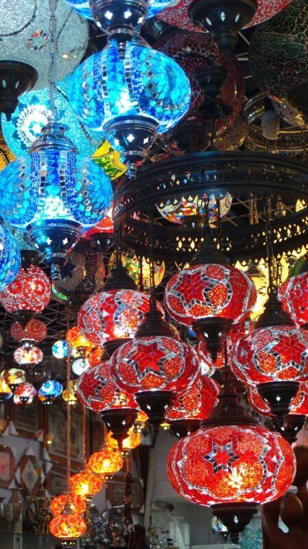 Lampen in souvenierswinkel in Side, Turkije. Turkish lights, turkse lampen