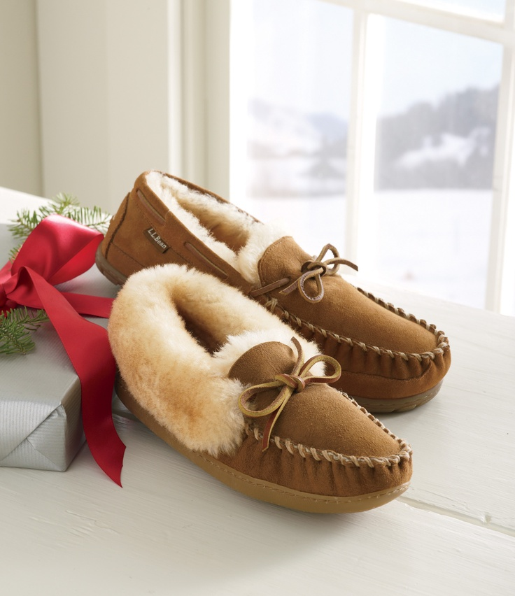 Who doesn't want toasty toes this season? Keep them warm in these moccasins from L.L. Bean #LLBean. Earn reward miles when you shop online through airmilesshops.ca. Brought to you by AIR MILES. #airmiles