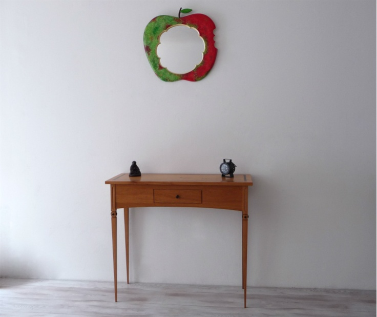 Happy Apple shaped Mirror - keeps the Doctor away so they say...