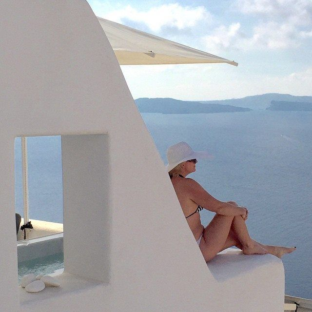 Our friend @tickerhead's photo could be our favourite from this season, being in perfect harmony with #ArtMaisons! #Santorini #Photography