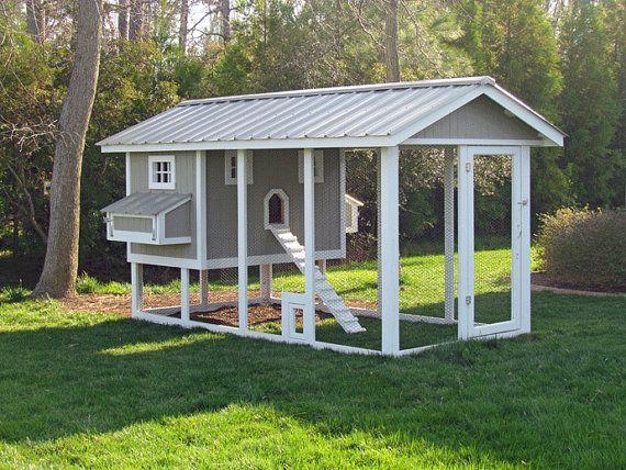 Poulailler en bois avec parc à poules