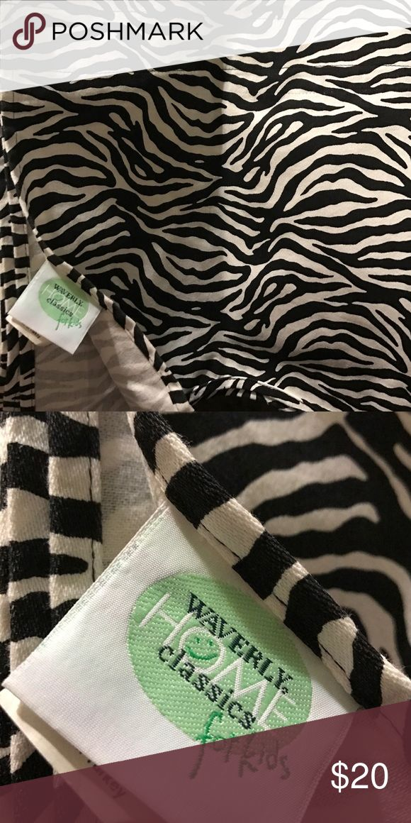 WAVERLY VALANCES ZEBRA SCALLOPED HEM LOT 2 🎓⭐🎓🎓COLLEGE FUNDRAISER 🎓⭐🎓🎓WAVERLY VALANCES ZEBRA SCALLOPED HEM LOT 2 black white great condition clean and crisp like new---clip hang---pole hang zebra Other