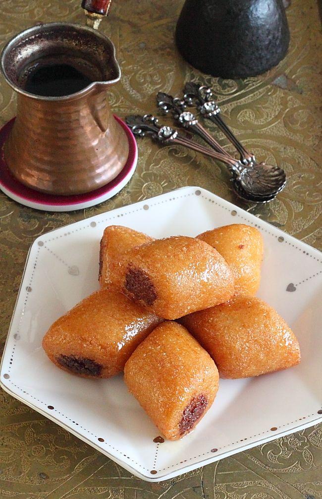 C'est parmi les pâtisseries orientales les plus appréciées et les plus répondues, le Makrout n'est plus à présenter. Il en existe aux dat...