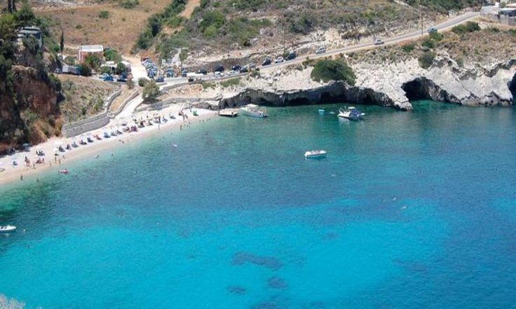 Makris Gialos Zakynthos: Situated on the north-eastern part of Zakynthos with very clear sea water and picturesque scenery.