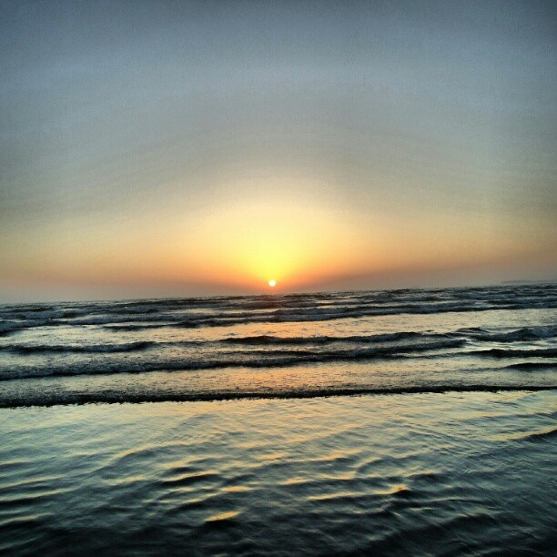 sunset #seaview #Karachi #beach #nature #sunset #beautiful #waves #ocean #Pakistan #picoftheday #photooftheday #photography #igdaily #igcool #instagramer #webstagram #instamood - @fawadawan- #webstagram