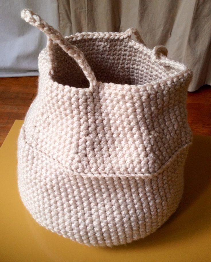 """Panier """"thaïlandais"""" au crochet n 10 - 27 cm H * 25 cm D"""