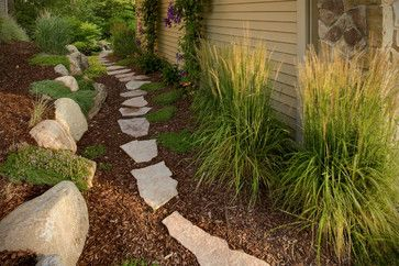 for side yard ... between house & fence