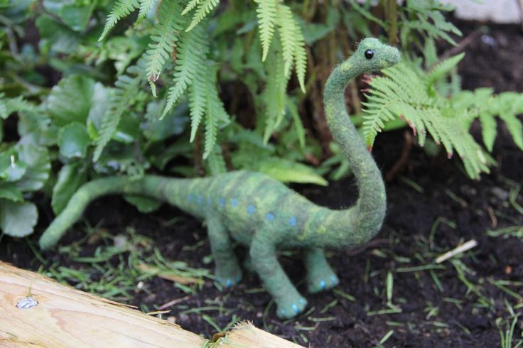 Make yourself a fun felted friend with this fantastic felted dinosaur project! It's an ideal project for beginners to felting, so if you've always fancied giving it a go, this is a great one to start on.