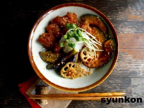 【簡単!カフェ丼】鶏となす、かぼちゃ、蓮根の南蛮おろしだれ丼と、ラジオ |山本ゆりオフィシャルブログ「含み笑いのカフェごはん『syunkon』」Powered by Ameba