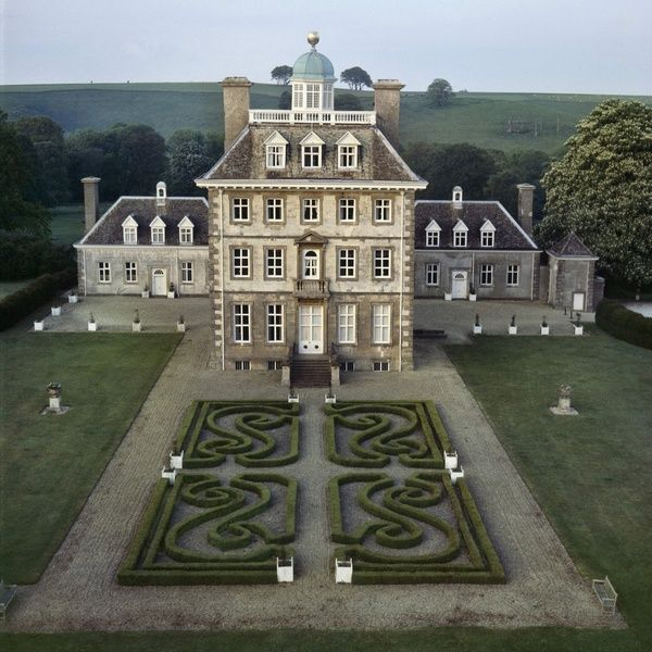 """Ashdown House in Oxfordshire is associated with the """"Winter Queen"""" Elizabeth of Bohemia, the sister of Charles I. It was built by William Craven, as a house fit for the queen he loved, but Elizabeth died before construction began in 1662."""
