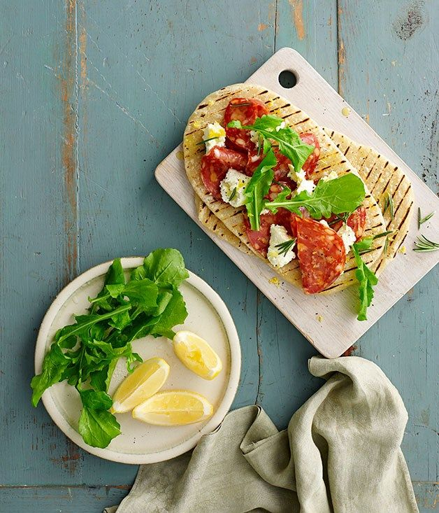 Spicy salami piadine with ricotta, rosemary and rocket