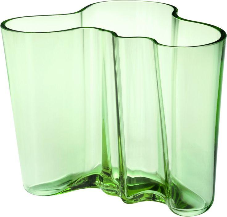Iittala - Alvar Aalto Collection Vase 160 mm apple green - Iittala.com