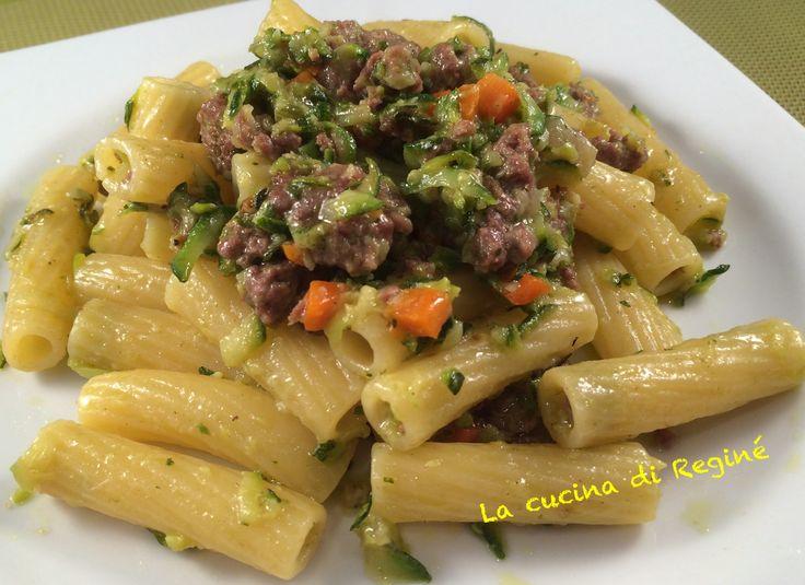 Pasta al ragù bianco di zucchine 400g pasta corta rigata-250g carne macinata…