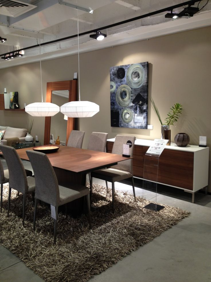 BoConcept expanding dining table
