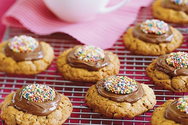 Everyone will love these chocolate chip cookies filled with oaty goodness.