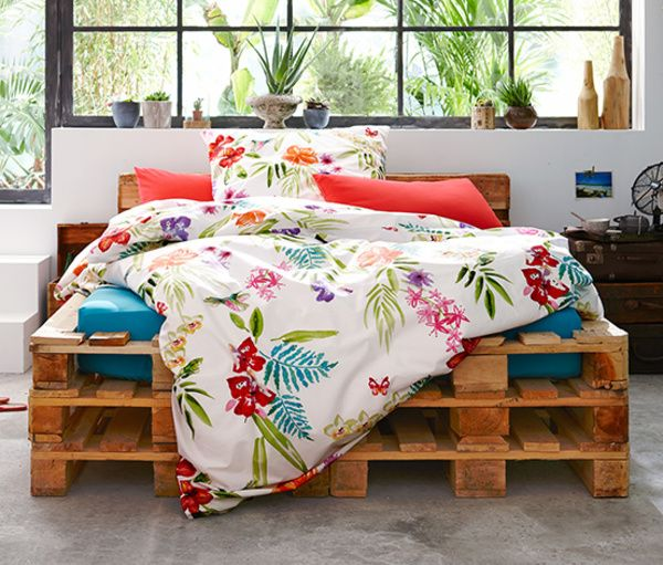 DIY-Bett aus Europaletten.