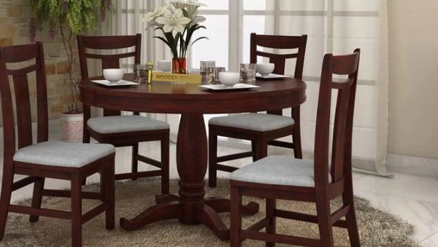 Brace Up For Best Of Your Dinner Parties With Dining Rooms Full Of Style Food Comfort With Solidw 4 Seater Dining Table Dining Table Wooden Dining Table Set