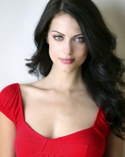 Julia Voth Stunning