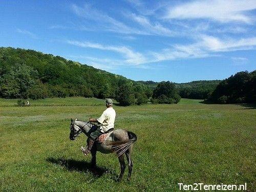 Boek ook bij Ten2Ten Reizen uw paardrijvakantie in Hongarije.