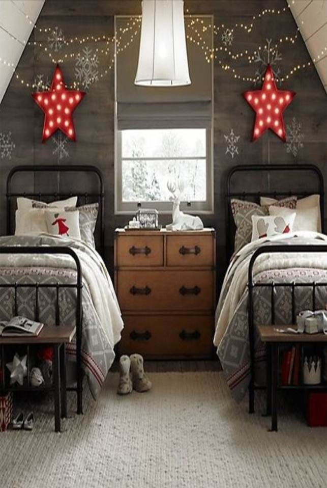 love twin metal beds / red stars